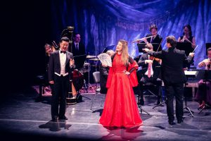 Sieglinde Zehetbauer und Han Bo Jeon mit dem Süddeutschen Kammerensemble im Cuvilliestheater, München 2020, Photo: Kai Neunert
